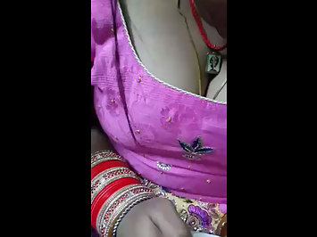 Homemade Indian Sex Beautiful Bhabhi Hot Cleavage