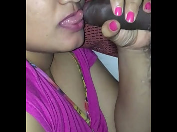 Homemade Indian Sex Desi Aunty Giving Blowjob