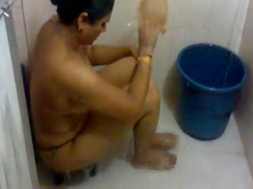Super Hot Super Sexy Luscious Indian Bhabhi House Wife Ambika Nude