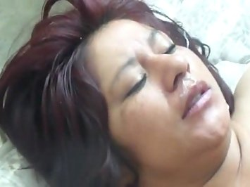 Hot Desi Mature Aunty Taking Cumshot