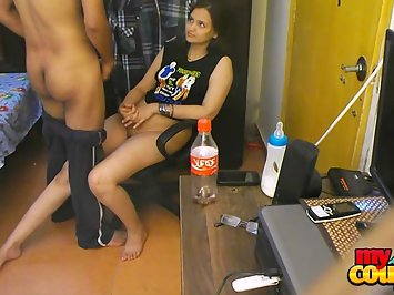 Hot Indian Couple Sunny Sonia Blowjob