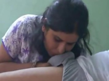 Indian Hottie Sucking Lovers Big Cock
