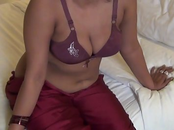 Nude Desi Aunty In Erotic Lingerie Porn