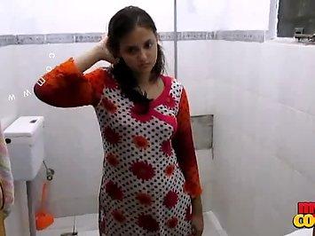 Sonia Bhabhi Lookin For Juicy Boobs Sucker