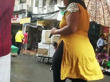 Bhubaneswar sexy aunty walking in market